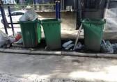 """老旧小区成垃圾分类""""死角"""",部分小区未设四色分类垃圾桶"""