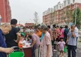 崔寨街道开展社区免费发放分类垃圾桶活动!