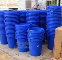 楼道塑料垃圾桶