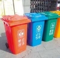 滨湖区首次在农贸市场 设置分类垃圾桶
