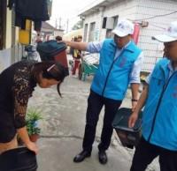 分类垃圾桶发放每家每户加强环保意识