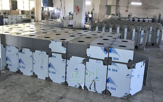 室内方形分类垃圾箱工厂生产图