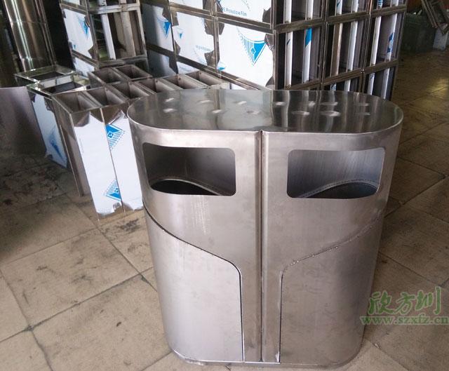 侧开门分类垃圾桶半成品图