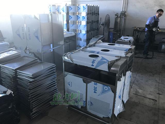 不锈钢分类垃圾桶生产图